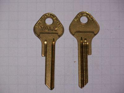 Chrysler Secondary  (Yale) 1949-56  Plymouth  (Yale)  1949-58